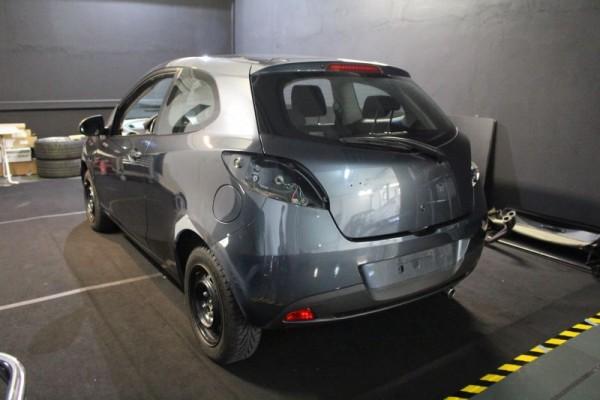 Fahrzeugverklebung Mazda 2 Vorbereitung Heck
